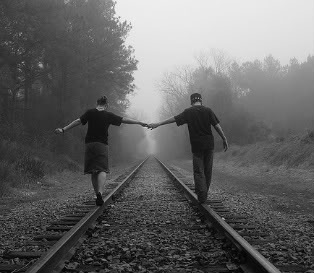 Holding_hands_tracks-bohocircus