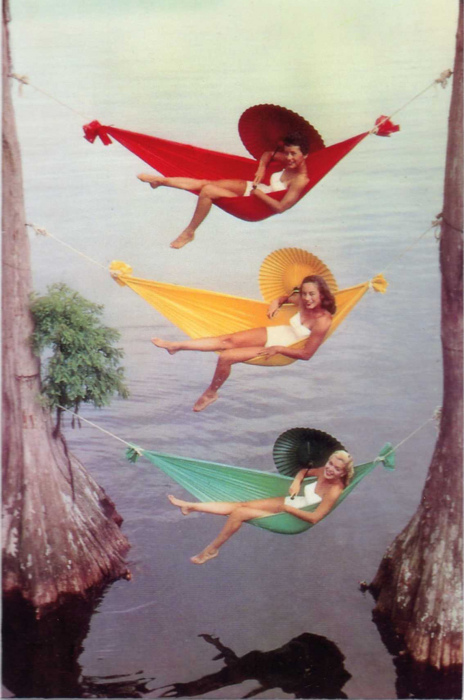 Vintage-women-hammocks-bohocircus