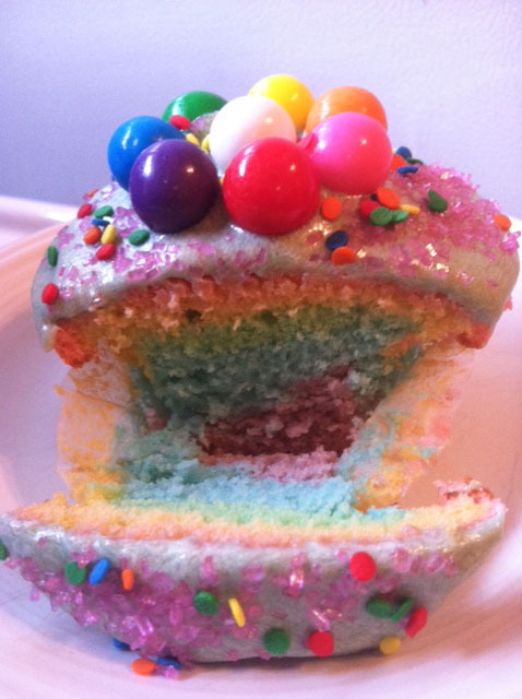 Tie-dyed-rainbow-cupcake-bohocircus
