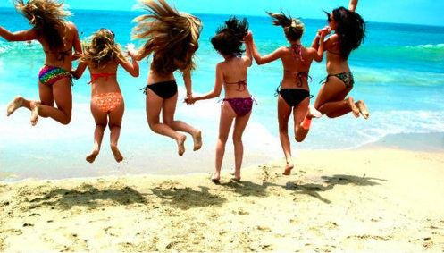 Summer-girls-beach-boho-bohocircus