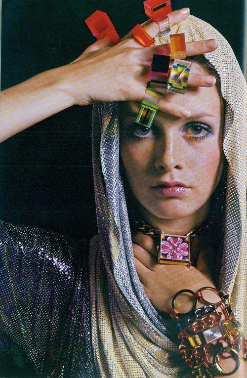 Twiggy-1967-vintage-bohocircus