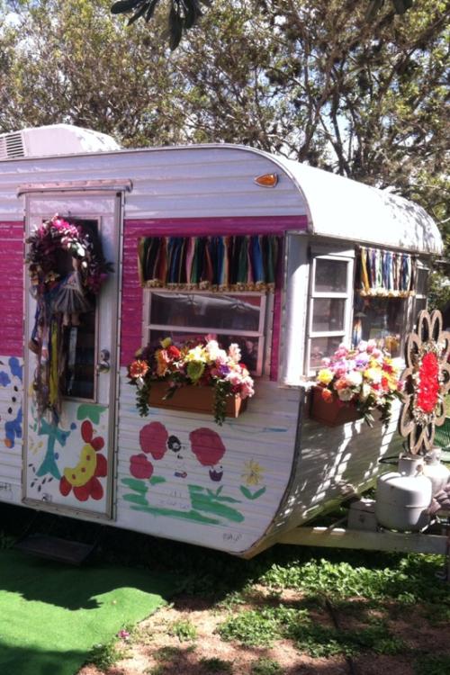 Cute-trailer-bohocircus